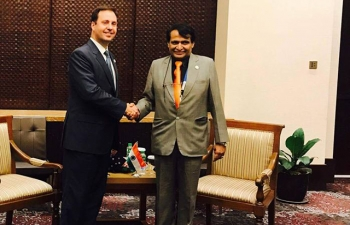H.E Suresh Prabhu, Minister of Commerce and Industry of India meeting The Hon. Steven Ciobo MP, Minister for Trade, Tourism and Investment, Australia on the sidelines of 49th ASEAN-India Economic Ministers'Meeting in Manila, Philippines on 9th September 2017.