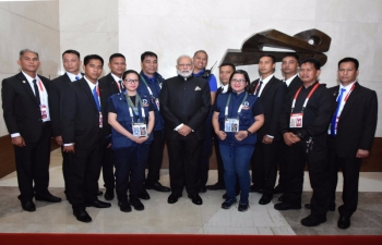 Prime Minister Modi with Embassy of India officials and staff, Presidential Security Group and Marriott Hotel staff