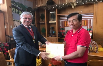 Ambassador visited Baguio recently and called on the remarkable Mayor Mauricio G Domogan who presented him with a golden key to the City of Baguio. Ambassador presented Mayor Domogan with a book on India's North East whose people have much in common with the people of the Cordileras. Mayor Domogan proposed sister city relationship with Shillong in India's North Eastern state of Meghalaya.