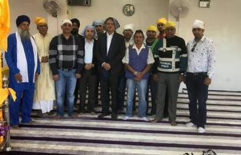 During Ambassador's recent visit to Baguio, he met with representatives of the Indian community at the Hindu Temple and Sikh Gurdwara and took note of the issues affecting them and their suggestions for better consular service