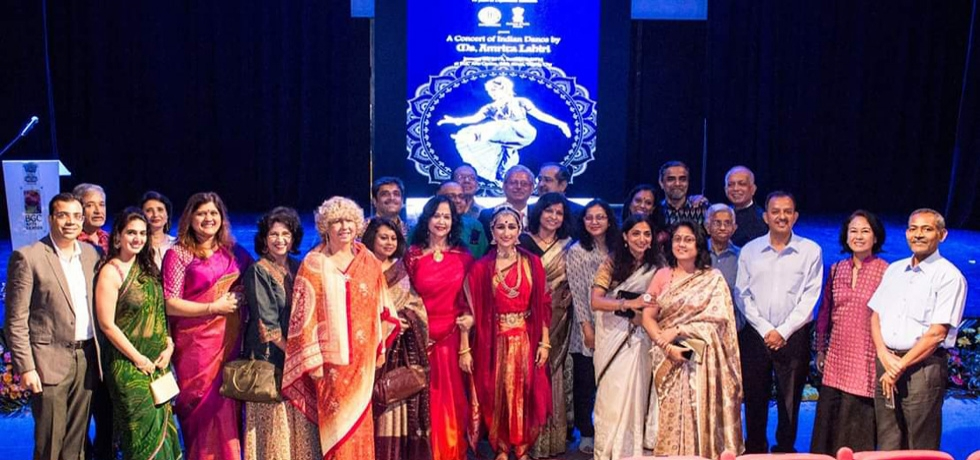 To kick off the celebrations of the 70th anniversary of the establishment of diplomatic relations between India and the Philippines, the Embassy of India in Manila organized a concert of Indian Classical Dance which featured Ms. Amrita Lahiri, a young and highly renowned Indian Classical Dance exponent at the BGC Arts Center on 20 January 2019.
