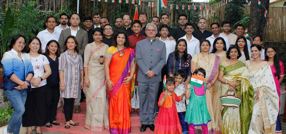 H.E Ambassador Jaideep Mazumdar and Mrs. Parvati C. Mazumdar with the Embassy officers/staff and their families during the flag hoisting ceremony at India House on 26 January 2019.