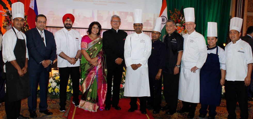 As a part of the 70th Republic Day and 70 years of India-Philippines Friendship,the Embassy in collaboration with Ministry of Tourism of India organised an Indian Food Festival 2019 presenting cuisines from various parts of India, including Punjab, Rajasthan, Awadh and South India, besides Indian chat and desserts.Chef Harmeet Singh and Chef Prasanta Mondal from India prepared the cuisines at the Food Festival.