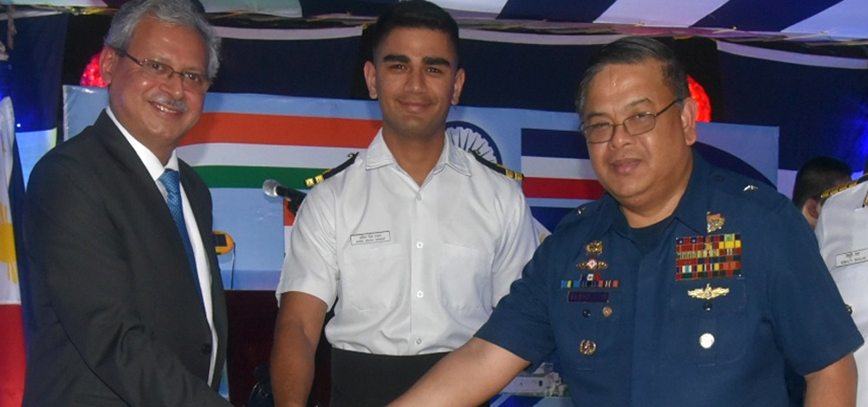 H.E Ambassador Jaideep Mazumdar with Philippine Coastguard Commandant ADM Elson E. Hermogino on the occasion of Indian Coast Guard day.