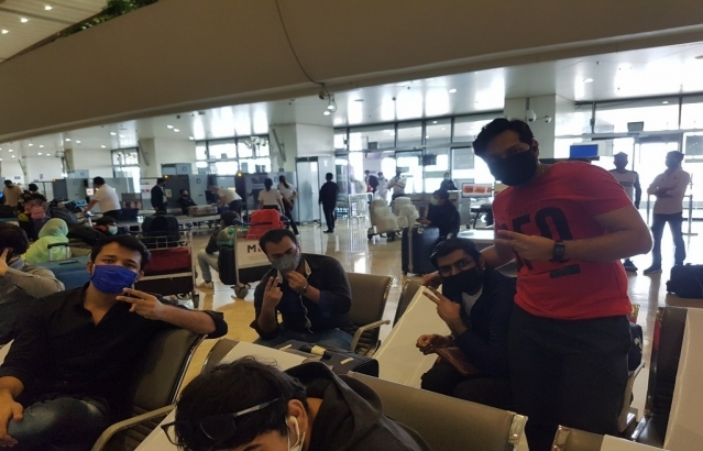 Students and other passengers from Delhi, Haryana, HP, UP, Punjab and UK start arriving at the Manila International Airport looking forward to their journey back home via AI 1375 Air India.