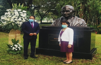 Ambassador Shambhu S. Kumaran and President of Miriam College paid tributes at the bust of Mahatma Gandhi; 2 October 2020
